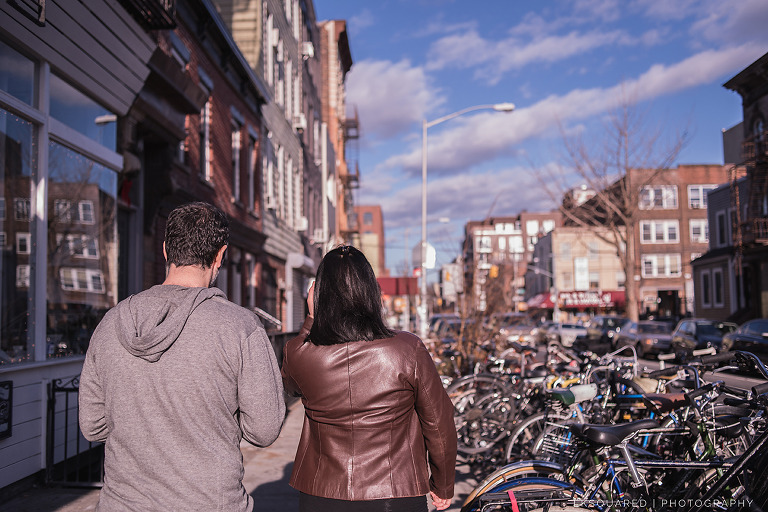 couple in williamsburg brooklyn walking to lunch